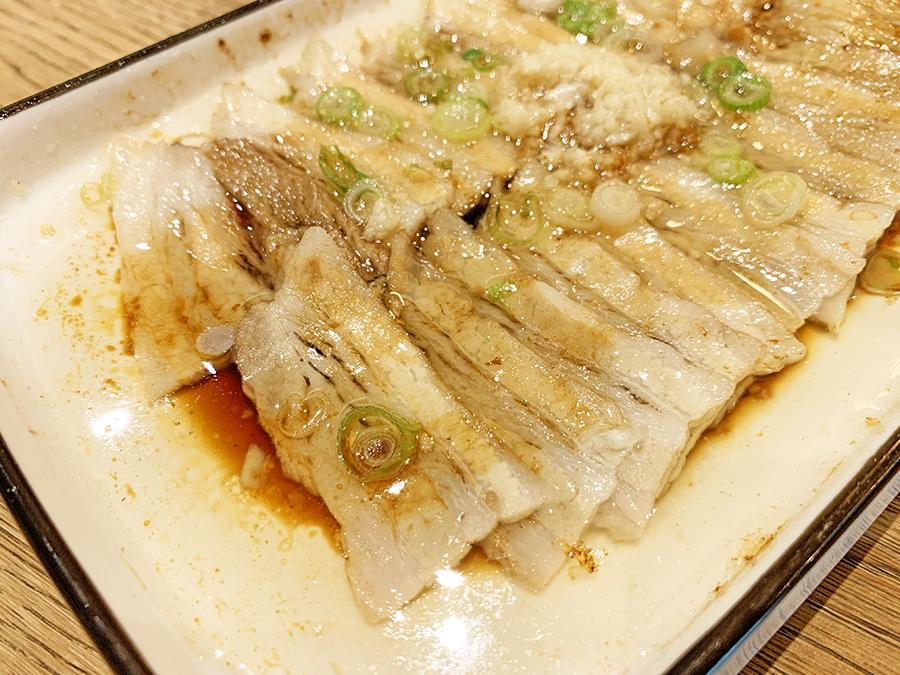 Uniko Restaurante Cerdo al ajillo o Suànní báiròu 蒜泥白肉