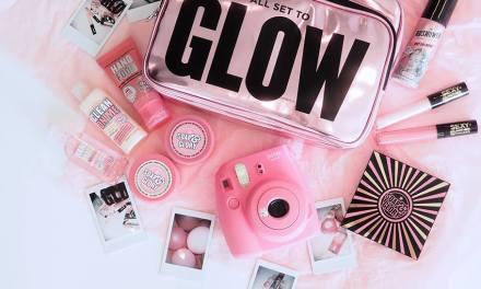 Holiday Glow Getaway Giveaway