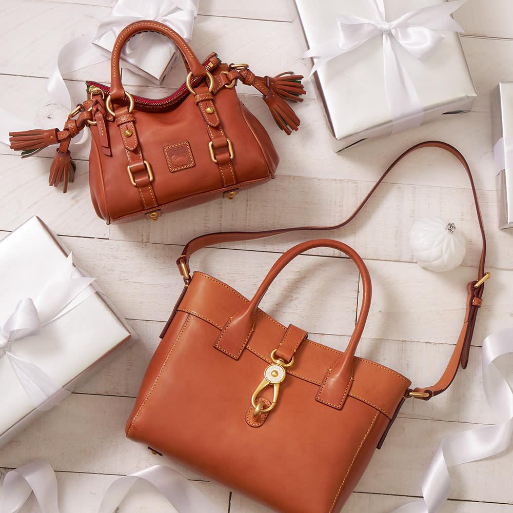 dooney-&-bourke-handbag-giveaway