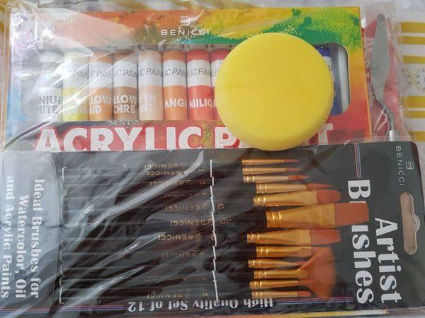 Free Benicci Paint Set