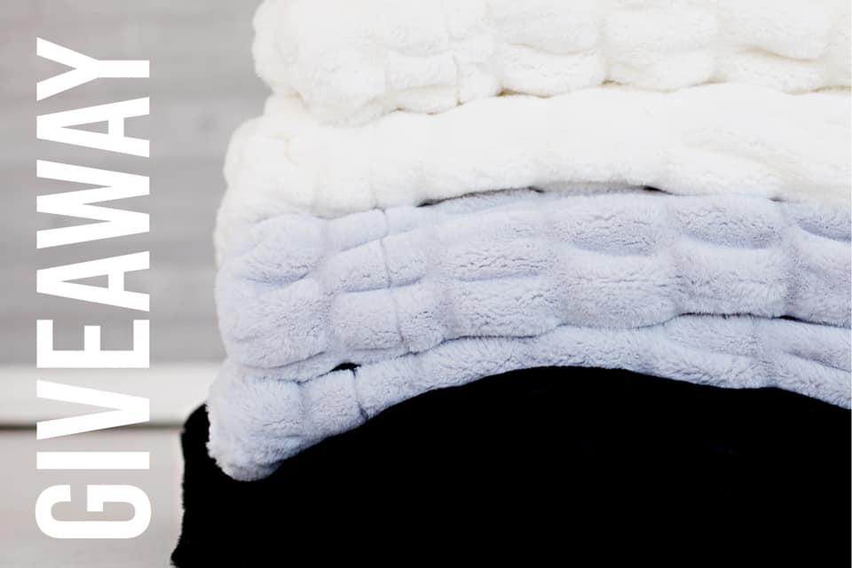 GRANDE Size Hug Minky Blanket Giveaway