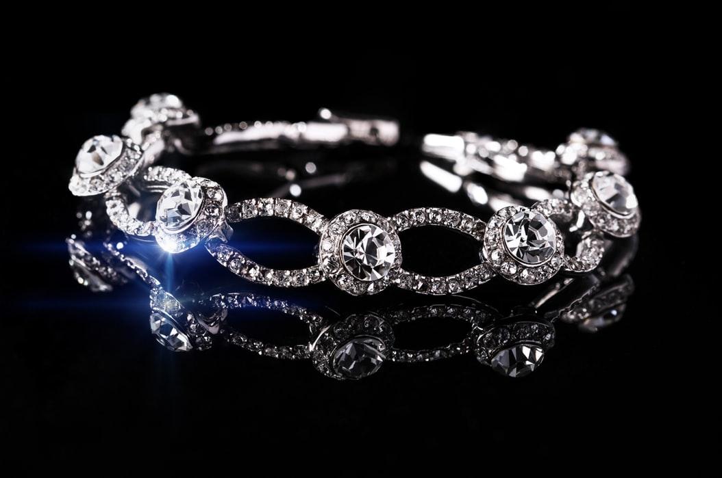 super-jeweler-diamond-studs-giveaway