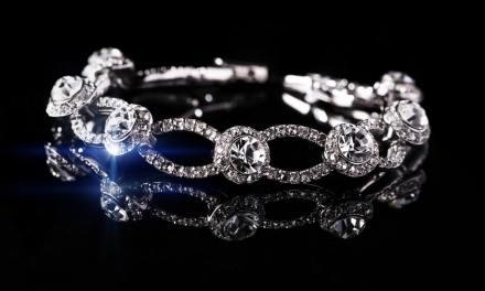 Super Jeweler Diamond Studs Giveaway