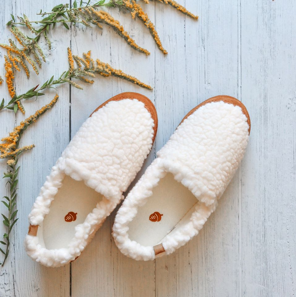 free-acorn-slippers