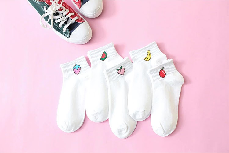 Free Women short socks with colorful fruit