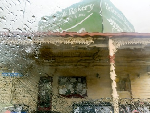 Holbrook Bakery in the rain road trip to Bendigo
