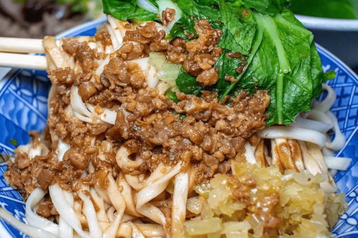 台南市北區「北園街徐家酸菜麵」超過40年老店 自製武器酸菜丁 難忘的好滋味
