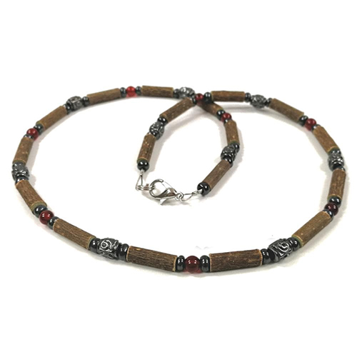 YumNaturals Emporium - Bringing the Wisdom of Mother Nature to Life - Hazelwood Red Agate Necklace Medieval Style 1