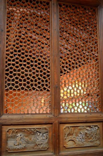 Honeycomb Wood Door Screen