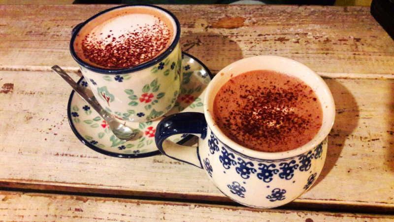 Boissons chaudes au café Dalbam