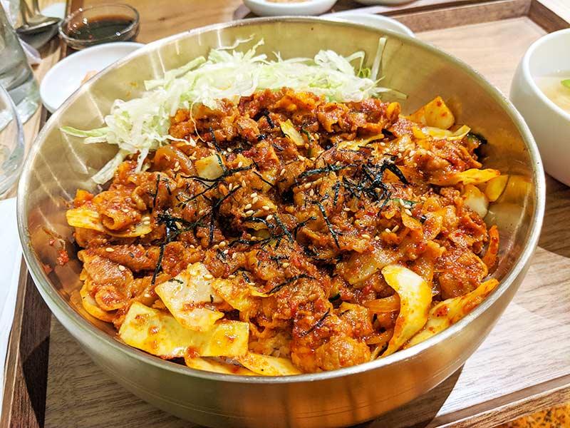 jeyuk deopbap du restaurant coréen sinabro