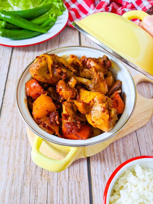 dakdoritang ragout de poulet epicé coréen