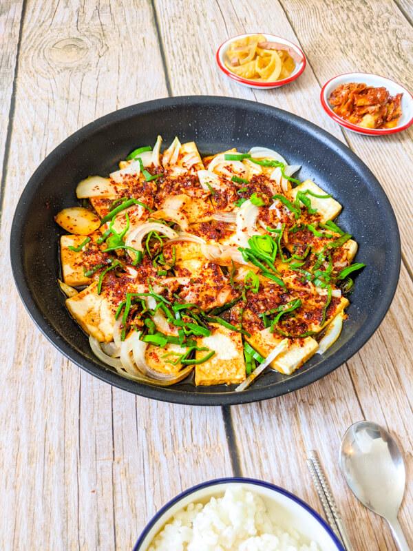 dubu jorim, tofu braisé piquant