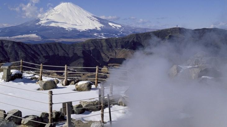 箱根の冬の交通事情!温泉旅行の季節には雪が降り積もっている?