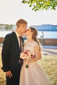 фотограф на свадьбу, поцелуй