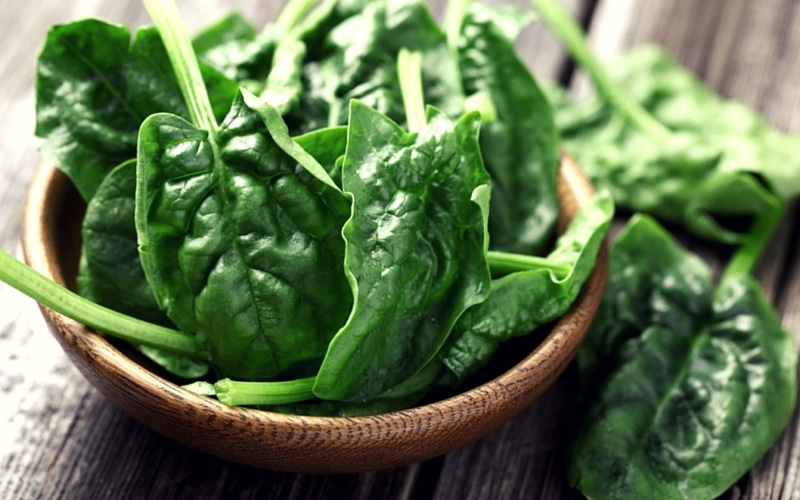 6 Organic Foods You Should Never Buy in Conventional Form - Spinach