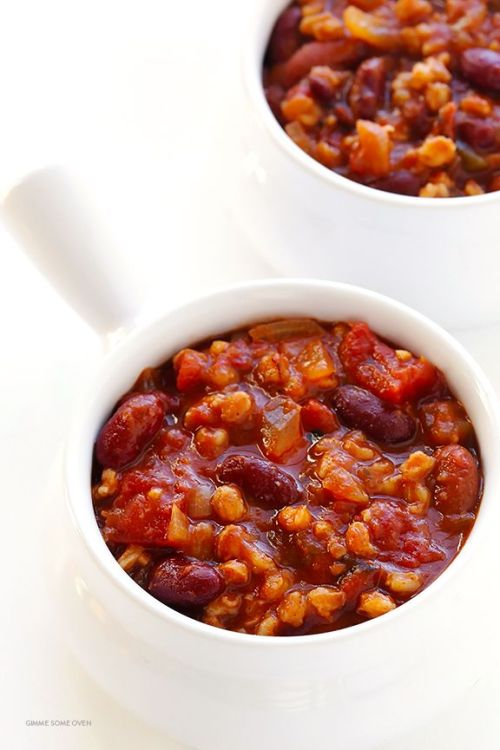 Slow Cooker Vegetarian Chili via Gimme Some Oven