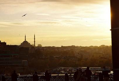 Yuri Martins Fontes / Turquia-2007 / Istambul: Pôr-do-sol visto da Ponte Gálata, centro da cidade.