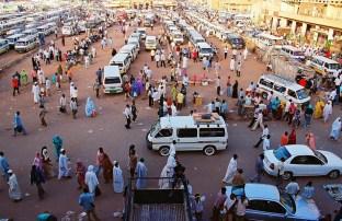 Yuri Martins Fontes / Sudão-2007 / Cartum: Terminal de transporte coletivo / Centro da capital