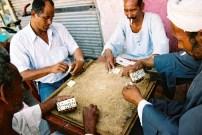 Yuri Martins Fontes / Egito-2007 / Luxor: Dominó no boteco / Bairro da histórica cidade núbia