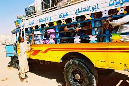 Yuri Martins Fontes / Sudão-2007 / Wadi-Halfa: Ônibus para a capital Cartum