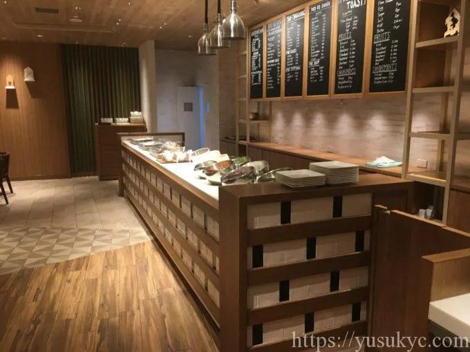 シェラトングランデトーキョーベイのガレリアカフェ