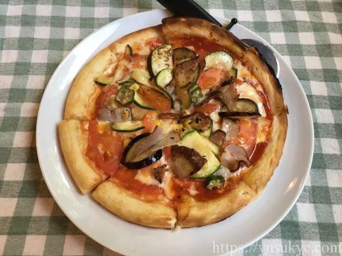 ダックスヒルの夏野菜のピザ