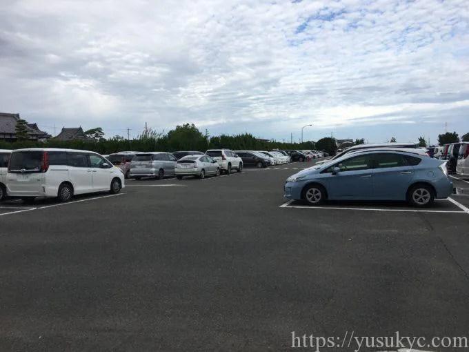海南こどもの国の駐車場