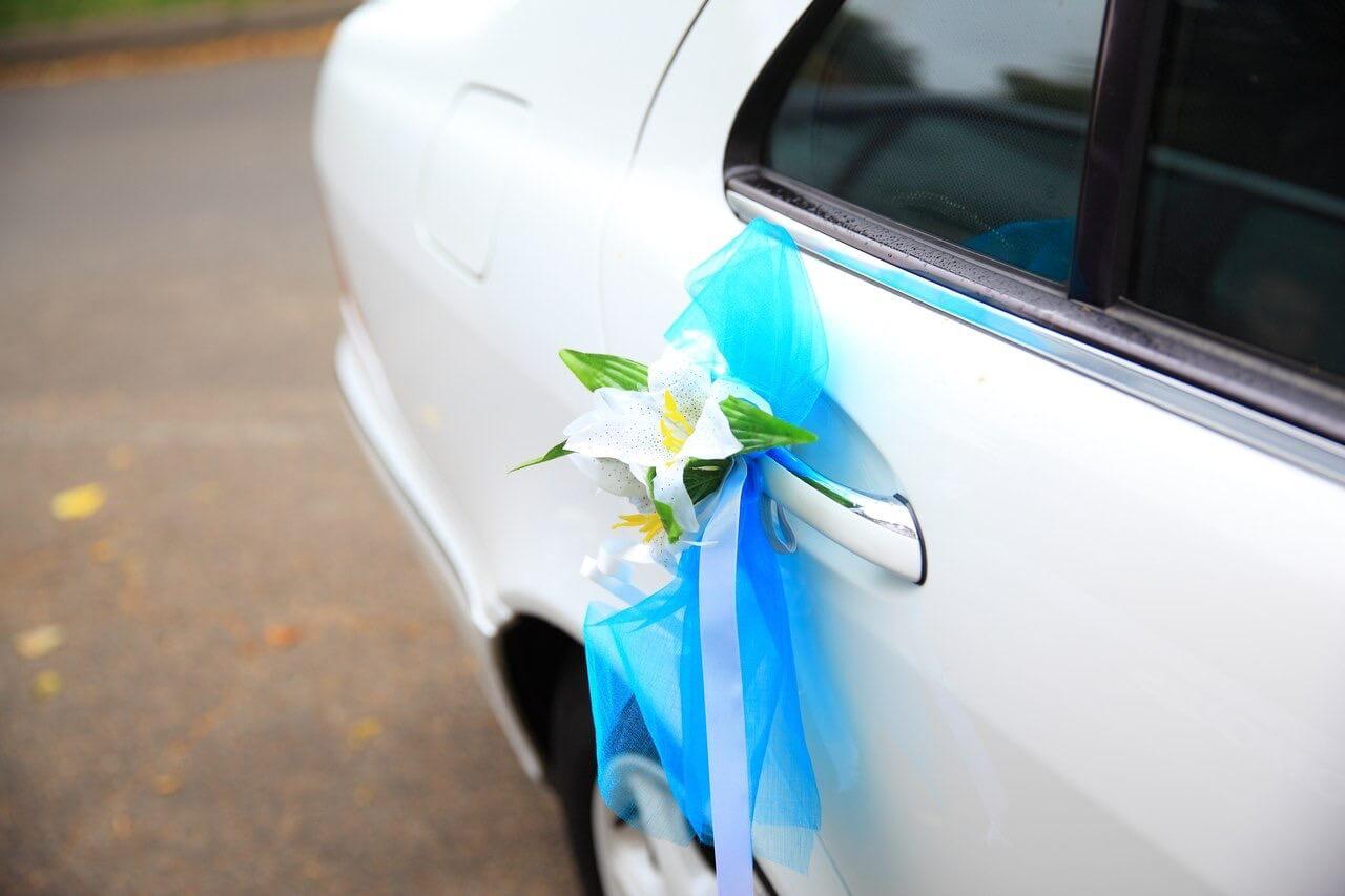 при свадебные украшения на машину своими руками фото цвет может присутствовать