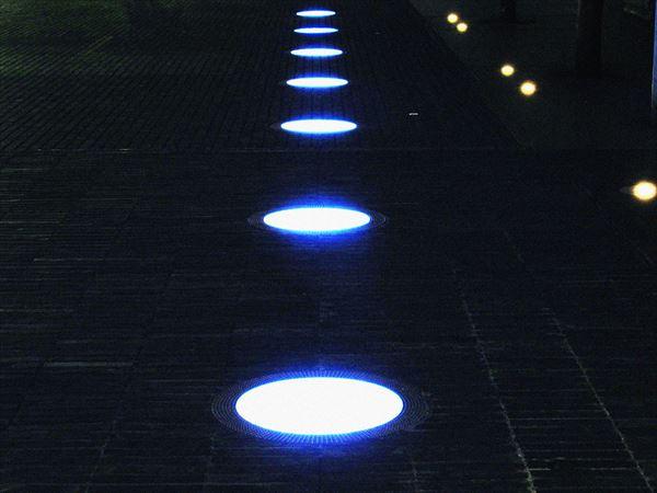 道路の灯り
