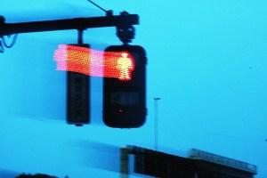 飛び出す赤信号