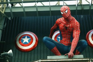 スパイダーマンとキャプテンアメリカの盾
