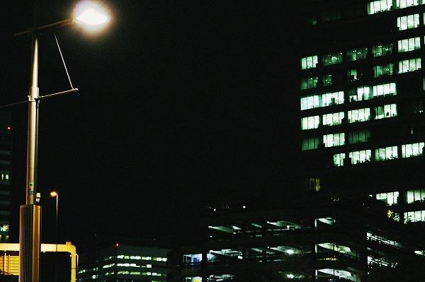 夜のビル街3