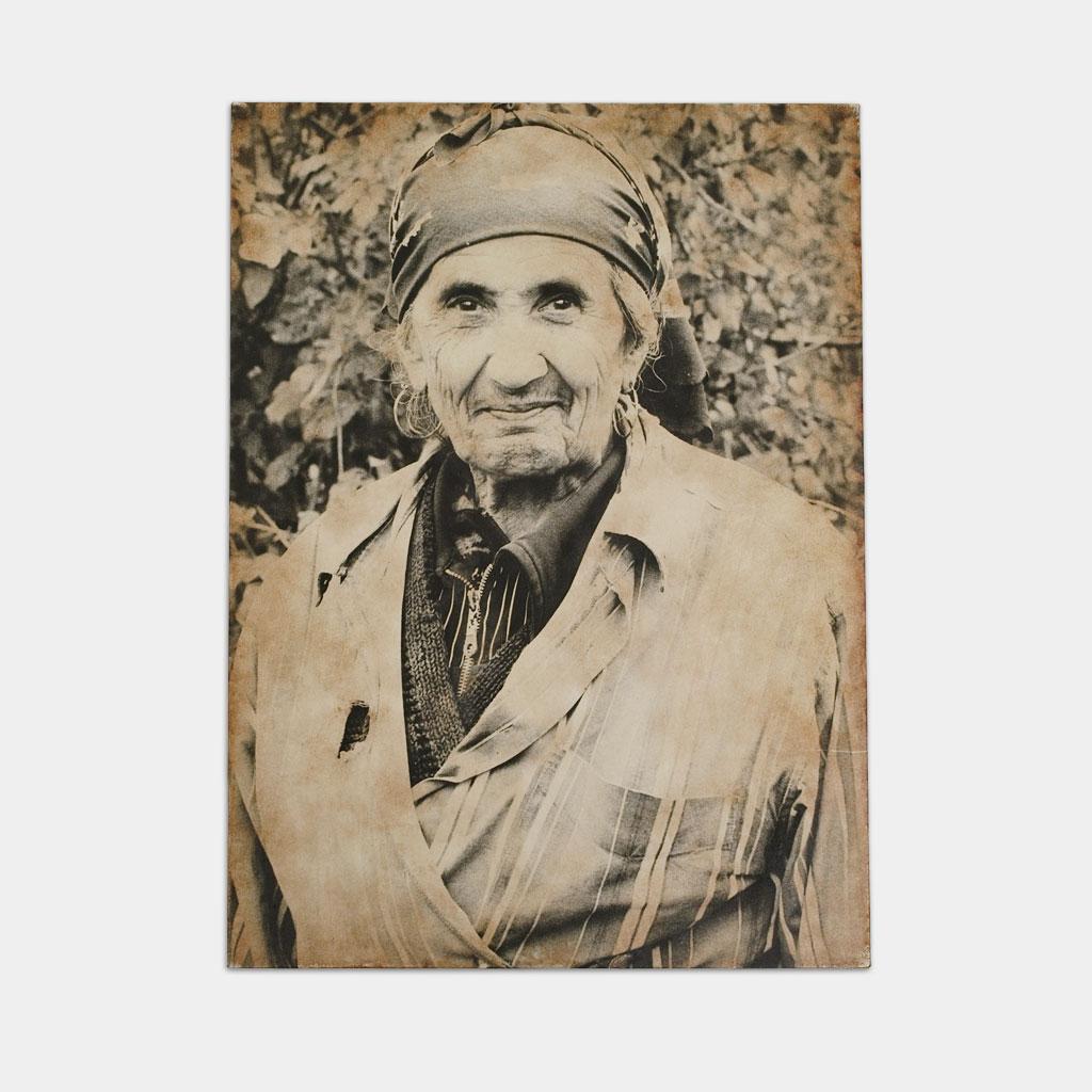 ジプシー女性の写真(正面)