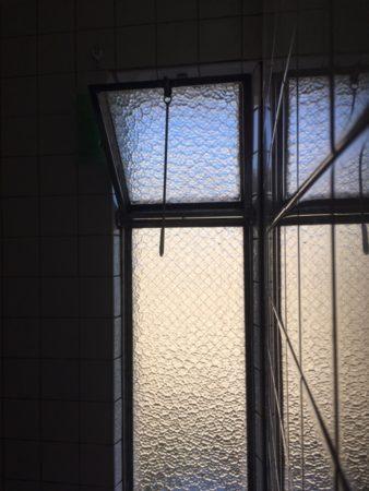 公団タイプ打ち倒れの窓