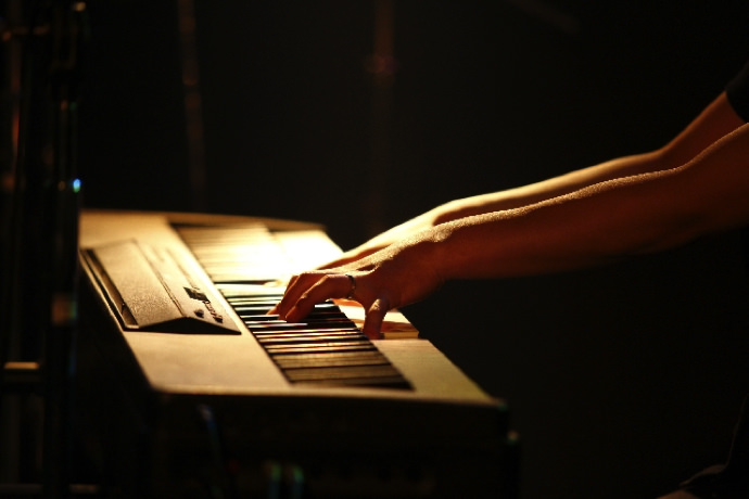 LIVEでMIDIキーボードを使う方法