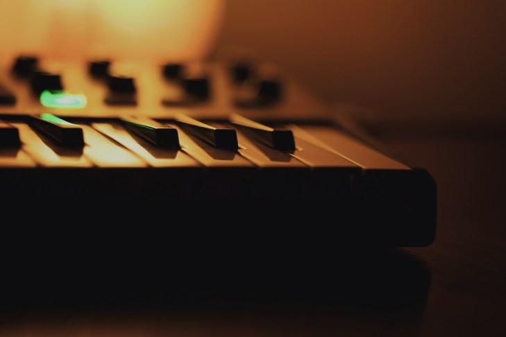 【Q&A】MIDIキーボードでもバンドセッションは可能ですか?