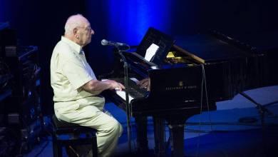 Photo of פסנתר הטורקיז בעיר הלבנה