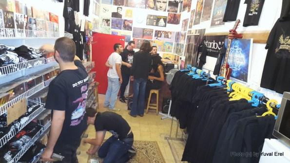 פרוגסטייג' חנות התקליטים והמטאל בפלורנטין. צילום: יובל אראל