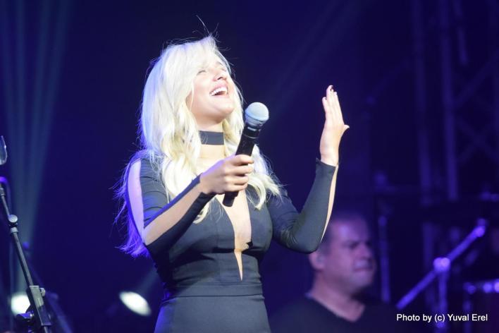 עדן, לא רק השיער, גם האלבום פלטינה. צילום: יובל אראל