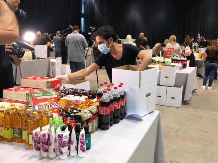 אביב גפן - אמנים מתנדבים בפרויקט חבילות הסיוע לעובדי תעשיית התרבות