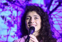 Photo of רוני דלומי במופע אינטימי – ערב התרמה למען פועלי התרבות