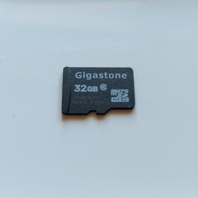 壊れたmicroSD 32GB