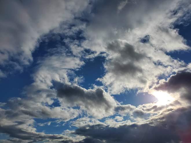 Galaxy S10で撮る青空