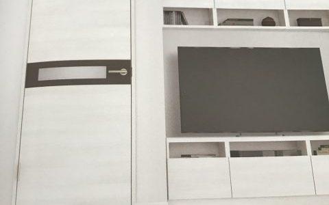 リクシルのクリエカラーで建具と床の色を選択!ドアを白色にしたいけど・・・