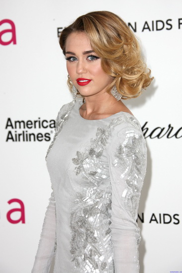 20 Best Miley Cyrus Hairstyles And Haircuts