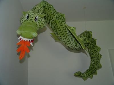Der Drache schwebt in meinem Zimmer