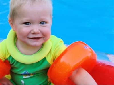 In meinem kleinen Boot aufm Pool unterwegs