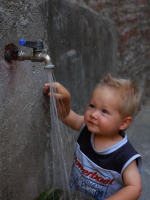 Erfrischung am Wasserhahn