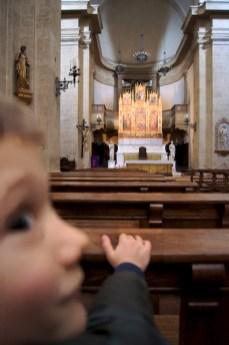 Yves nella chiesa